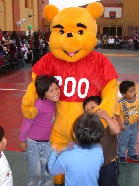 El pueblo de Poo nombra hijo predilecto a Winnie