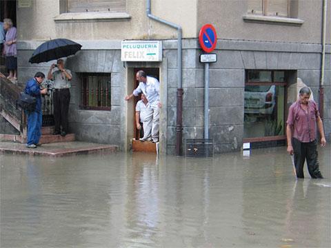 Inundaciones en Llanes - 27 julio 2006