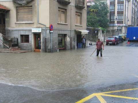 Inundaciones en Llanes - 27 de Julio de 2006