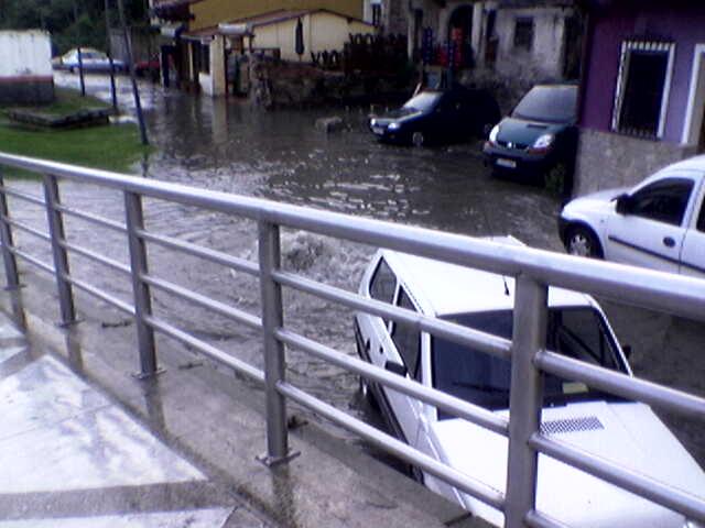 inundaciones en Llanes - jueves 14 junio 2007 3